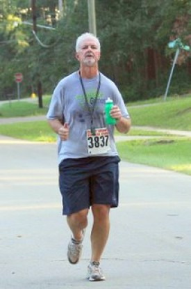 Nick at the Women's Distance Festival 5K Road Race, 9/20/08 in Tallahassee, a couple hundred yards from the finish line in Indianhead Acres, my home turf.